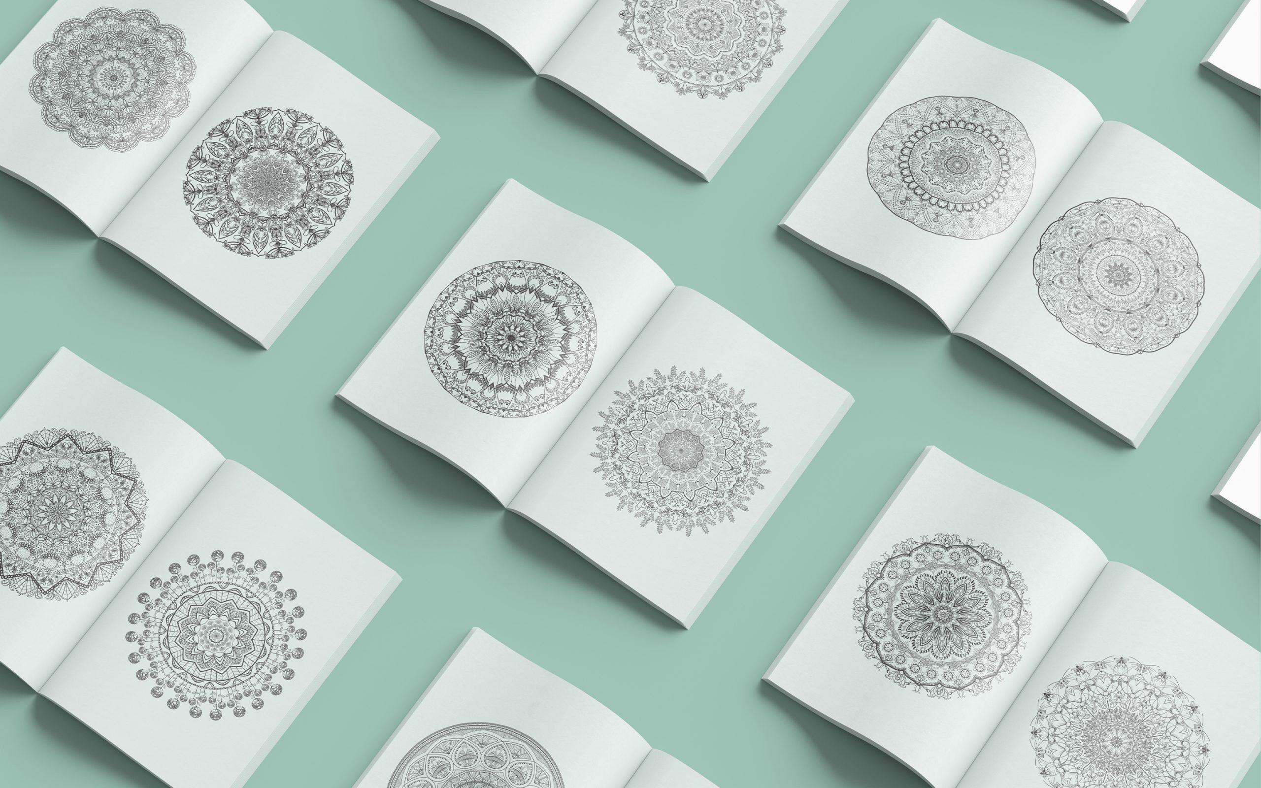 Aufgeschlagener Innenteil des Mandala Ausmalbuches mit verschiedenen Mandalas